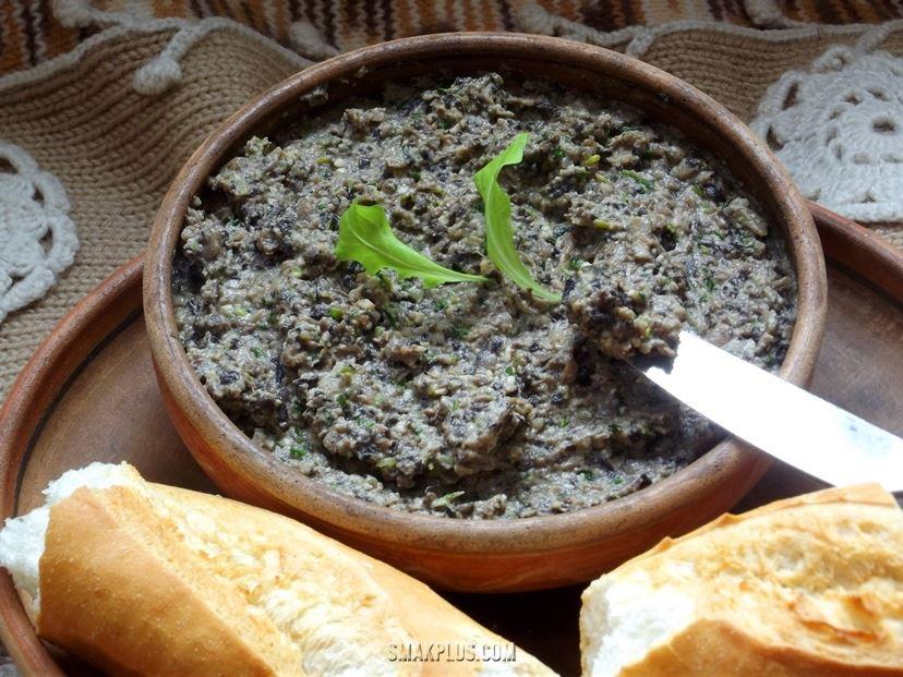 Паштет з грибів та горіхів