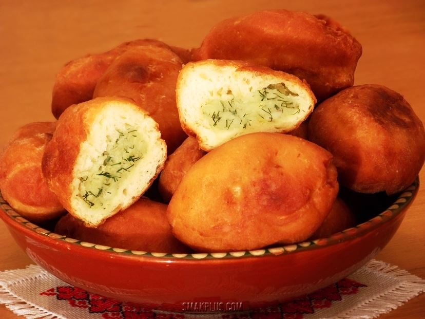 Картопляники – пиріжки з картоплею з картопляного тіста